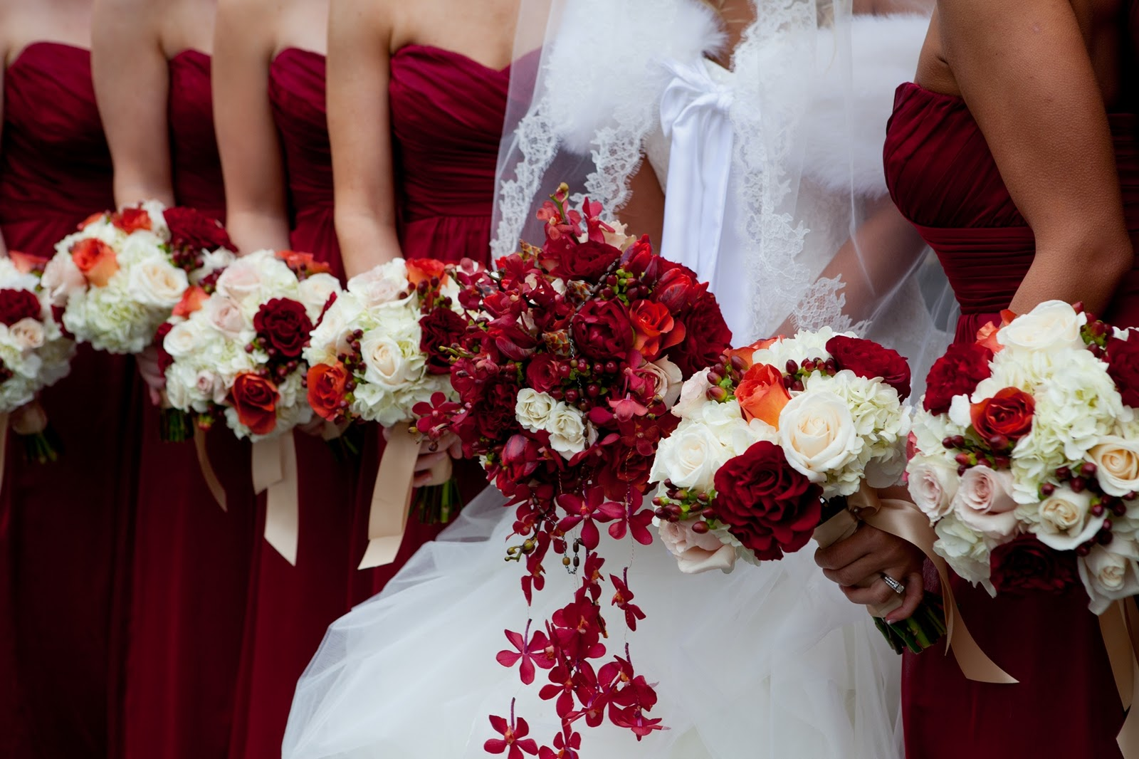 Cranberry champagne wedding - Cranberry And White Wedding Eventdazzle