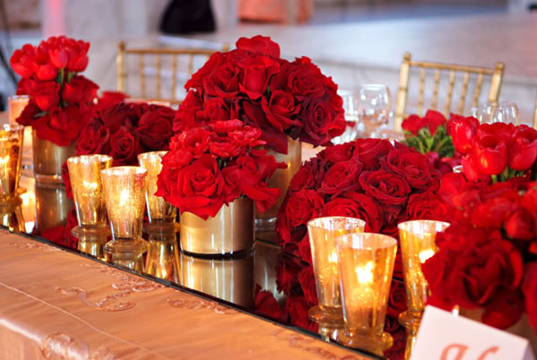 Red wedding color combination ideas dream weddings start for Red decoration for wedding
